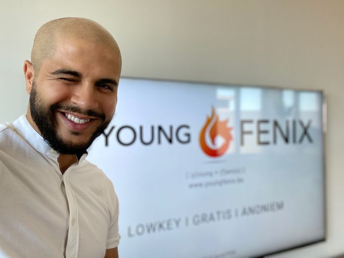 Khalid El Hatri (35) richtte Young FENIX op om jongeren te helpen tijdens de coronacrisis.