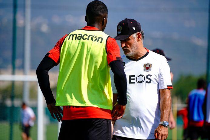 Nsoki in gesprek met Nice-coach Galtier.