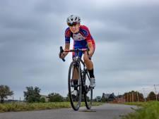 In klassieker debuterende Genemuider wielrenster Joëlle Eenkhoorn wil broer Pascal achterna
