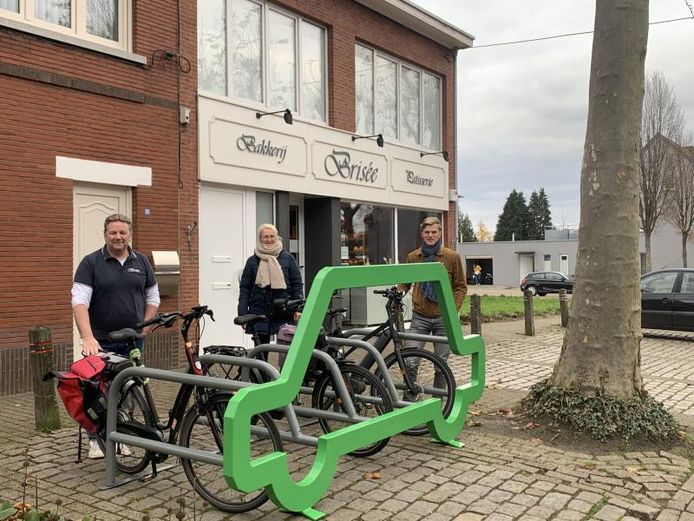 Het mobiele fietsenrek in Gooreind staat in de Theo Verellenlaan.
