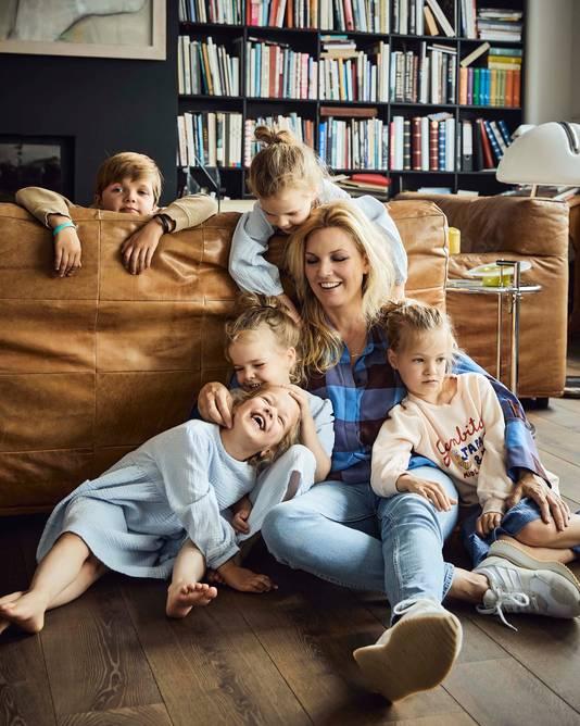 Manon Proper en haar kinderen.