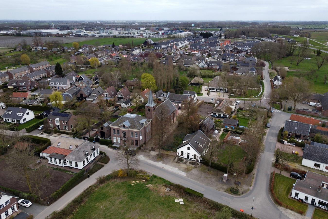 Luchtfoto van Tuil, gemeente West Betuwe.