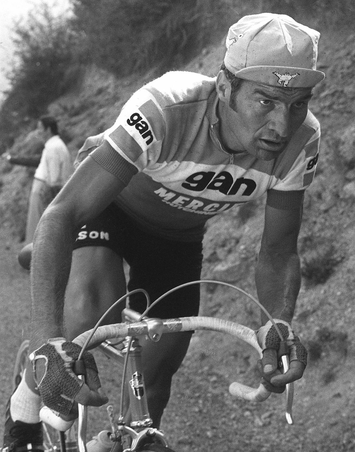 Poulidor in de Tour (1974).