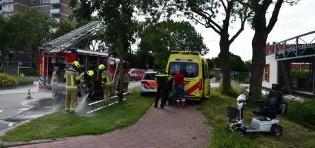 Bestuurder scootmobiel belandt in sloot, slachtoffer naar ziekenhuis gebracht