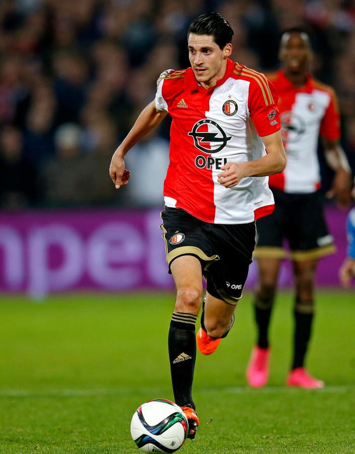 Marko Vejinovic met Feyenoord aan het werk tegen zijn oude club AZ (2015).