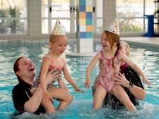 Kersverse Friezinnen vieren feestje in Beekbergen: bijzondere missie is volbracht