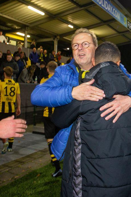 Clubvoorzitter Aart is dag later nóg hees van  bekerstunt DVS'33 uit Ermelo: profclub verslaan!
