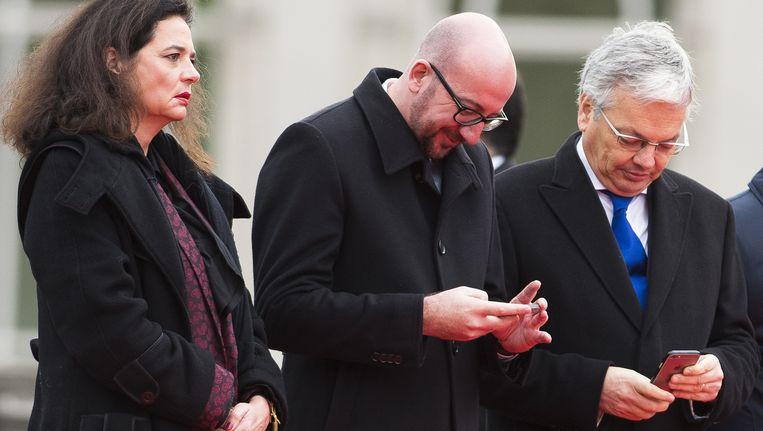Drie MR-kopstukken op een rij: senaatsvoorzitster Christine Defraigne, premier Charles Michel en minister van Buitenlandse Zzaken Didier Reynders. Beeld BELGA