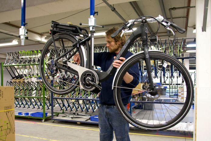 De activiteiten van Cannondale worden de komende weken verplaatst van het bedrijvencentrum Hanzepoort in Oldenzaal naar XL Businesspark in Almelo.