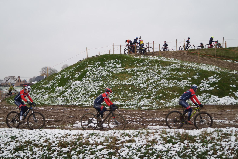 Meulebekenaars verkenden het parcours van het BK Veldrijden.