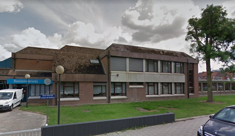 In de kleuter- en basisschool Schuttershof in Sint-Truiden is de Britse coronavariant ontdekt. De deuren gaan net zoals bij twee kinderopvangcentra op slot.