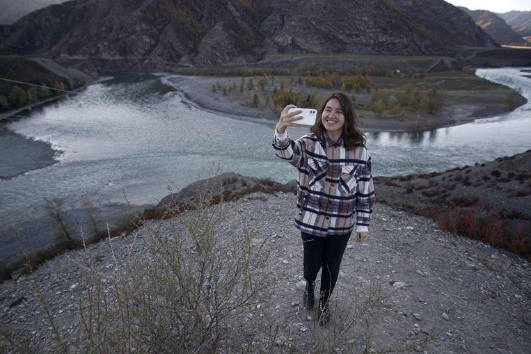 Ajoena reisde naar de meren van Karelië, de bergen van de Altaj en naar stadjes rondom Moskou. 'Ik had geen idee dat mijn land zo mooi is.' Beeld
