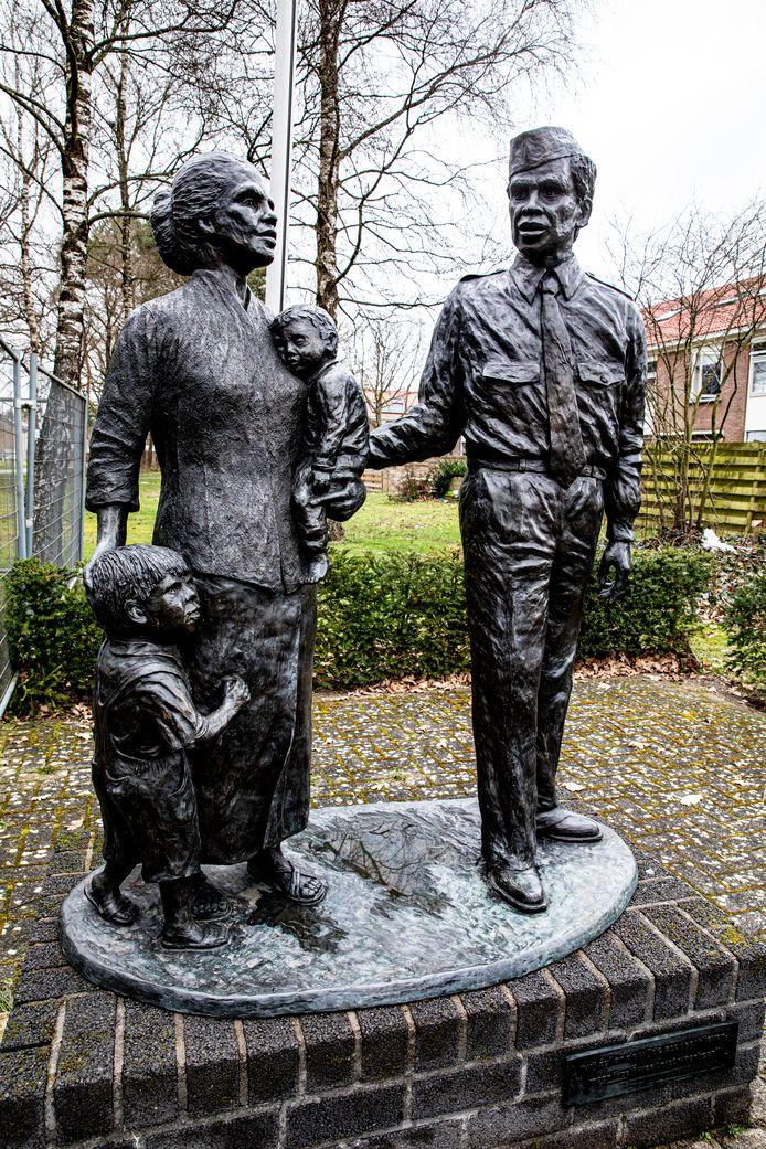 Het monument in Vaassen dat herinnert aan de komst van de eerste Molukkers in Nederland in 1951.