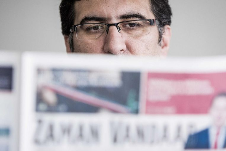 Hoofdredacteur Mehmet Cerit van de in Rotterdam gevestigde Nederlandse editie van Zaman Vandaag. Beeld null