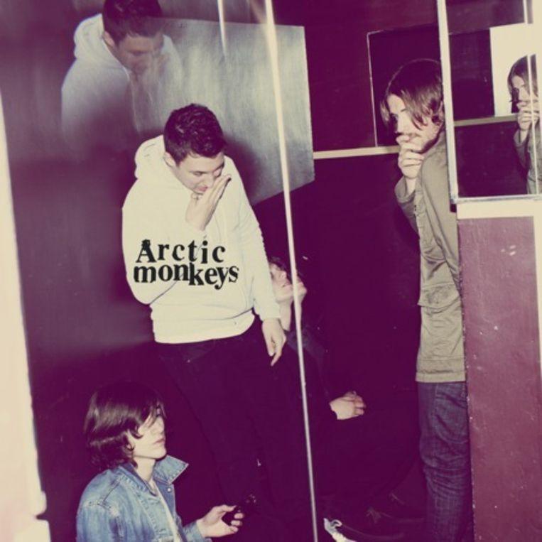 Arctic Monkeys uit Sheffield hebben al een lange muzikale weg afgelegd, en 'Humbug' bewijst dat de toekomst voor de band veelbelovend is. Beeld UNKNOWN