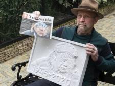 Rinus kan indrukwekkende foto van Auschwitz-herdenking niet loslaten en maakt er een plaquette van 'Ik móést er iets mee doen'