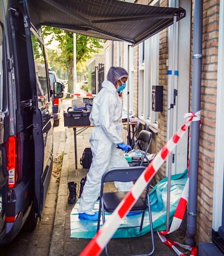 Buurman zag gemaskerde dader uithalen met hamer: 'Hij leek van plan hem dood te slaan'