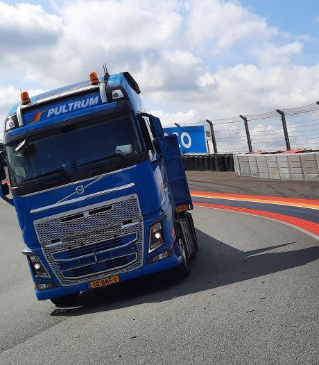 Chauffeur Jan Henk (46) uit Rijssen speelt even Formule 1-coureur op circuit Zandvoort: 'De pk's konden los'