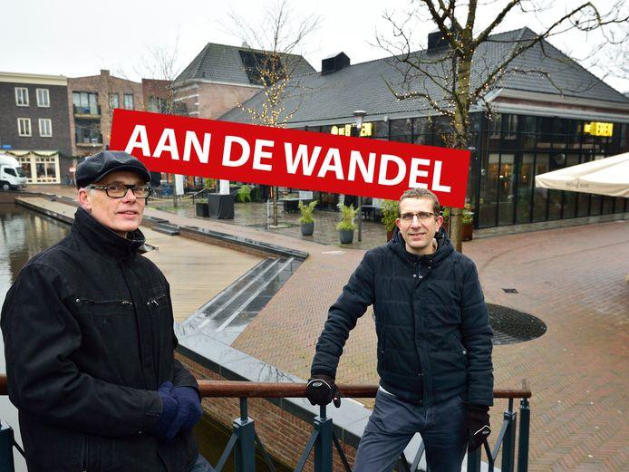 Architect Jeoffrey Bloemen ( links ) en sociaal geograaf Willem Debets van het Centrum voor Architectuur en Stedenbouw voor het Nutsgebouw.
