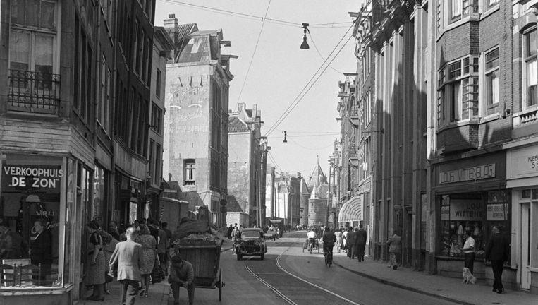 De Sint Anthoniebreestraat in de Amsterdamse Jodenbuurt in 1947. Beeld Fokke C. de Haan/ANP