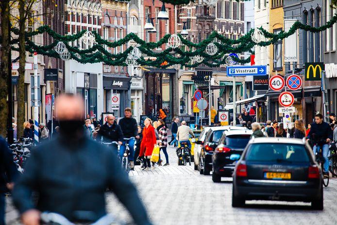 Drukte in het centrum van Dordrecht. De stad wil een goede vestigingsplaats zijn voor ondernemers.