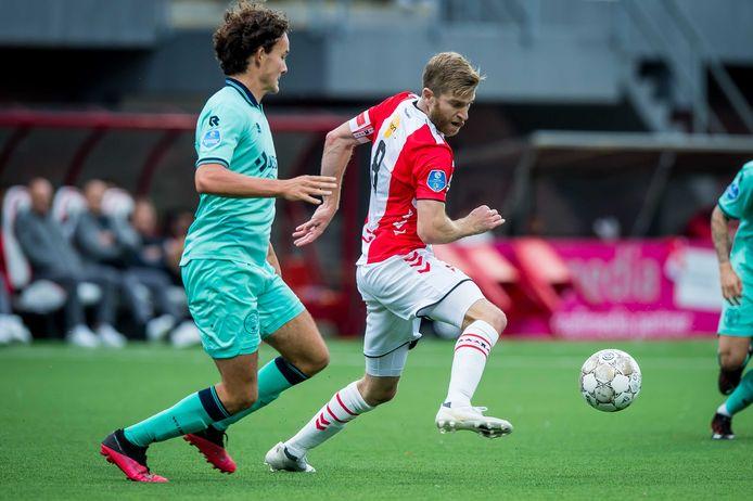 Jop van der Avert in actie voor Willem II.