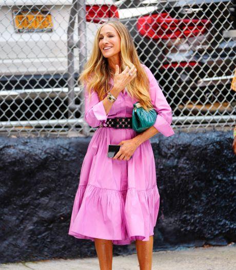 Même Carrie Bradshaw a craqué pour la tendance claquettes-chaussettes