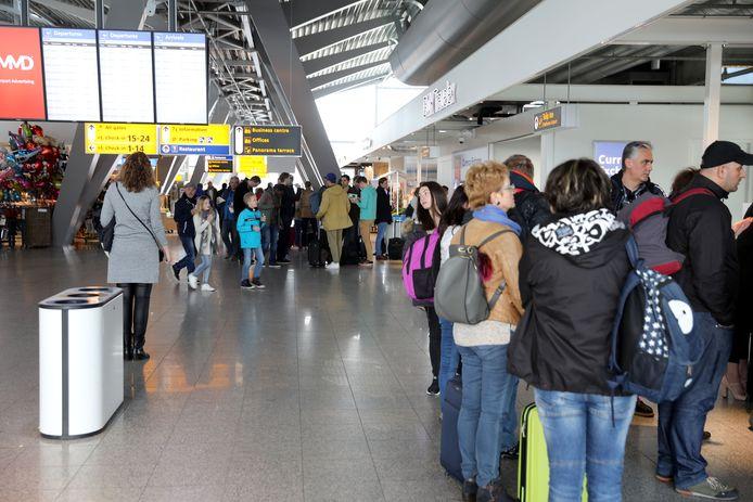 Eindhoven - vertrekhal Eindhoven Airport