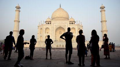 """""""De overheid lijkt hulpeloos"""": groen-bruine kleur van Taj Mahal baart magistraten zorgen"""