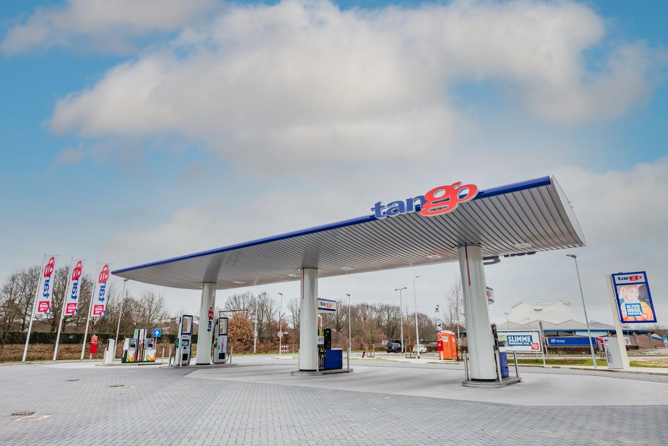 Tango biedt in Deventer ook milieuvriendelijke diesel en CNG (aardgas). Er staan snellaadpalen en is er ruimte voor elektrische deelauto's.