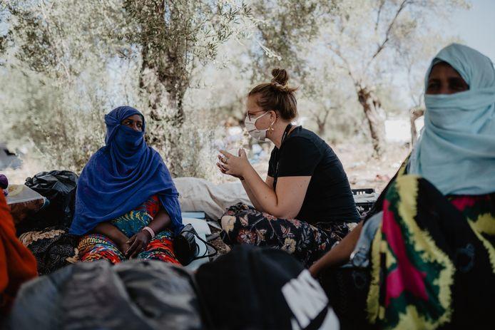 Debora Molenaar werkt in vluchtelingenkamp Moria op Lesbos.