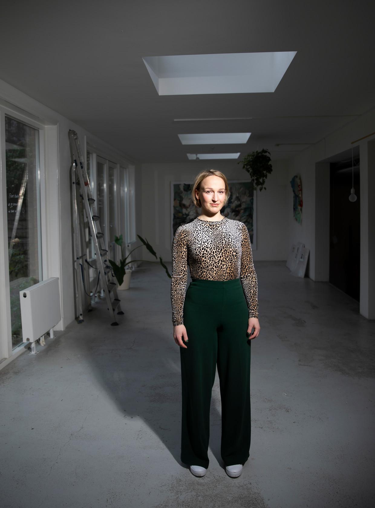 Emmelie Koster, van No man's Art Galerie in Amsterdam. Beeld Judith Jockel
