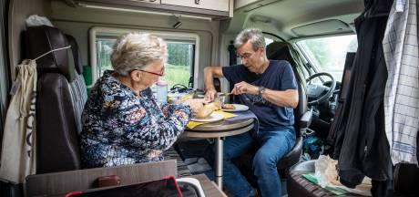 Camperen in Noordoost-Twente: 'We moeten nu gedwongen binnen zitten'