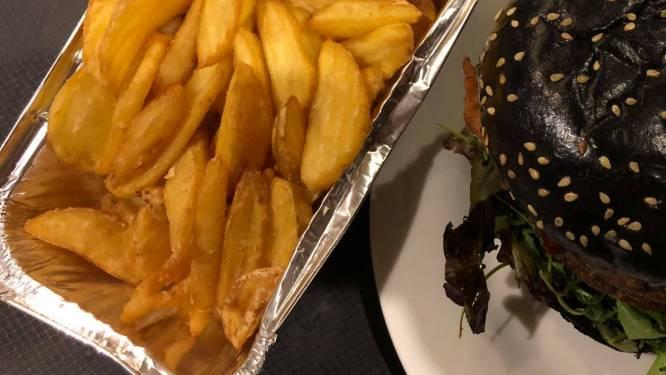 LEKKER LOKAAL. Sam's Table: hamburgers met een bewust gekleurde touch, maar zeer geslaagd