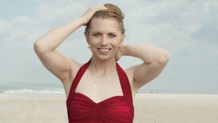 Chelsea Manning in badpak voor modemagazine Vogue. Beeld Instagram Chelsea Manning