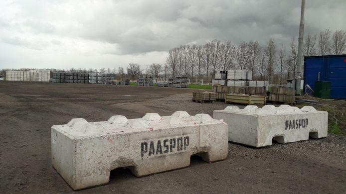 De werkzaamheden op het festivalterrein van Paaspop in Schijndel zijn voorlopig stilgelegd.