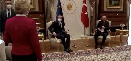Von der Leyen tegen EU-president over stoelenmisser bij Erdogan: 'Dit zal ik nooit meer toelaten'