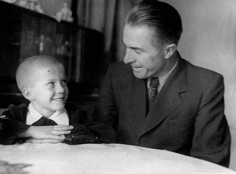 Grootvader Vasili met zoon Aleksandr.  Beeld