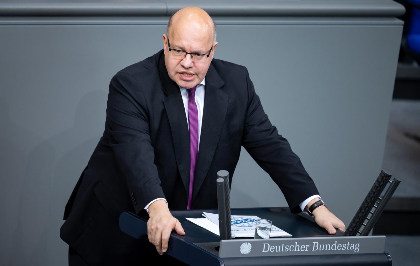 De Duitse minister van Economische Zaken Peter Altmaier spreekt van 'een eerste straaltje hoop' voor de economie in Duitsland.
