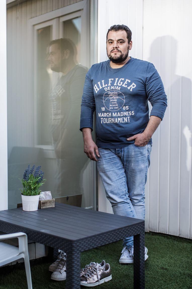 Brecht Coucke verloor na de operatie 40 kilo: 'Mijn broeken leken vroeger wel parachutes.' Beeld Bob Van Mol