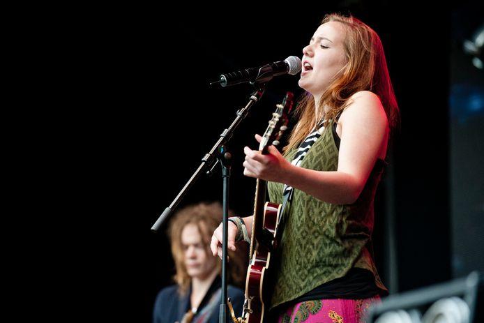 Summer Square in betere tijden, met Noor Sloterdijk en haar band. Het festival kan door de opleving van het coronavirus niet doorgaan.