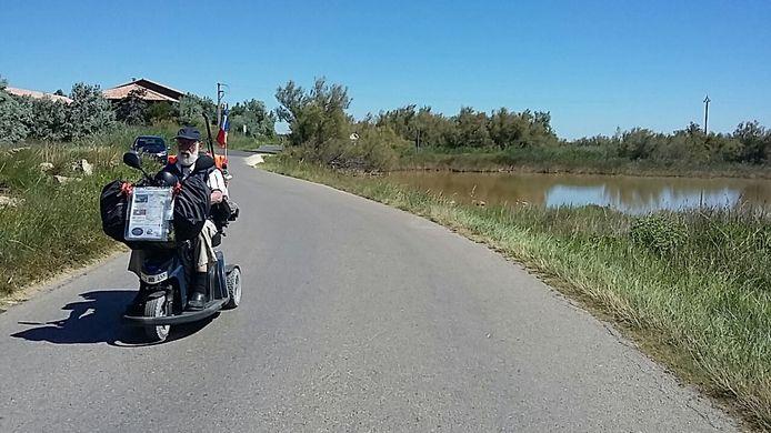 Peter de Lijser op weg naar Saint Pierre la Mer.