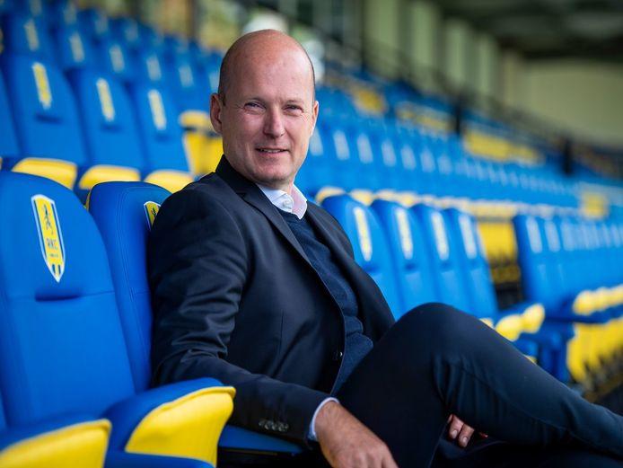 Commercieel directeur Willem van der Linden heeft zijn vertrek bij RKC aangekondigd.