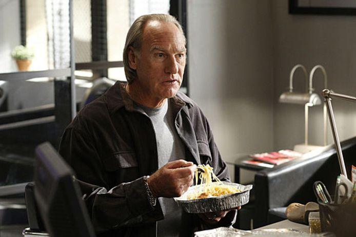 De rol van pater familias Jay Pritchett werd in eerste instantie aangeboden aan Craig T. Nelson.