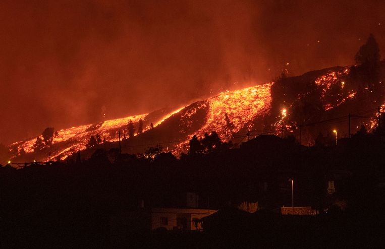 Tientallen Nederlanders op La Palma geëvacueerd na uitbarsting vulkaan