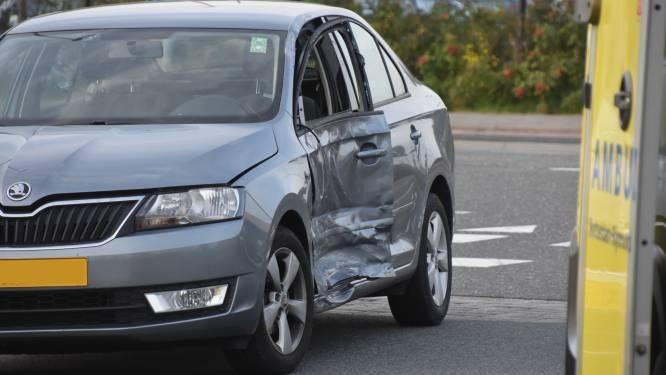 Automobilist gewond na botsing met vrachtwagen in Bleiswijk