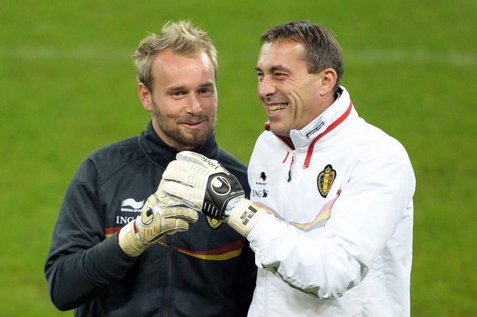 Philippe Vande Walle hier als keeperstrainer bij de Rode Duivels met Jean-François Gillet.
