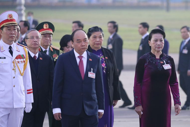 Nguyen Xuan Phuc (midden), nu nog premier, wordt waarschijnlijk president. Beeld EPA