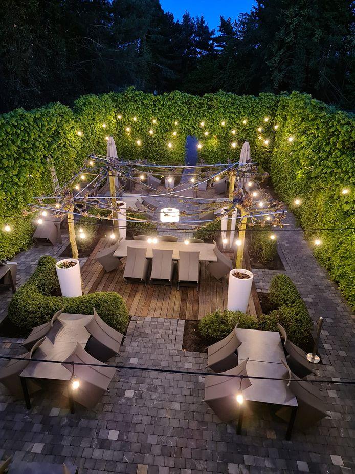 Het terras van Laan Thai 2
