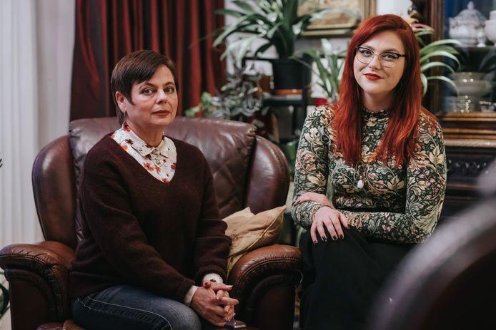 Verslaggeefster Sandra Moerland en haar moeder Victoria Moerland-Romanova.